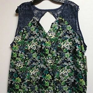 Peace & Pearls Top
